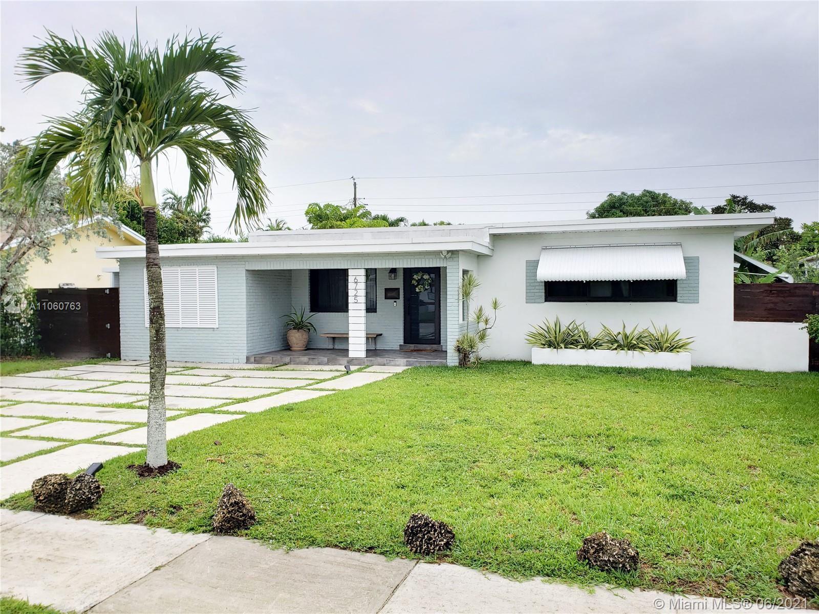 6725 SW 27th St, Miami, FL 33155 - #: A11060763