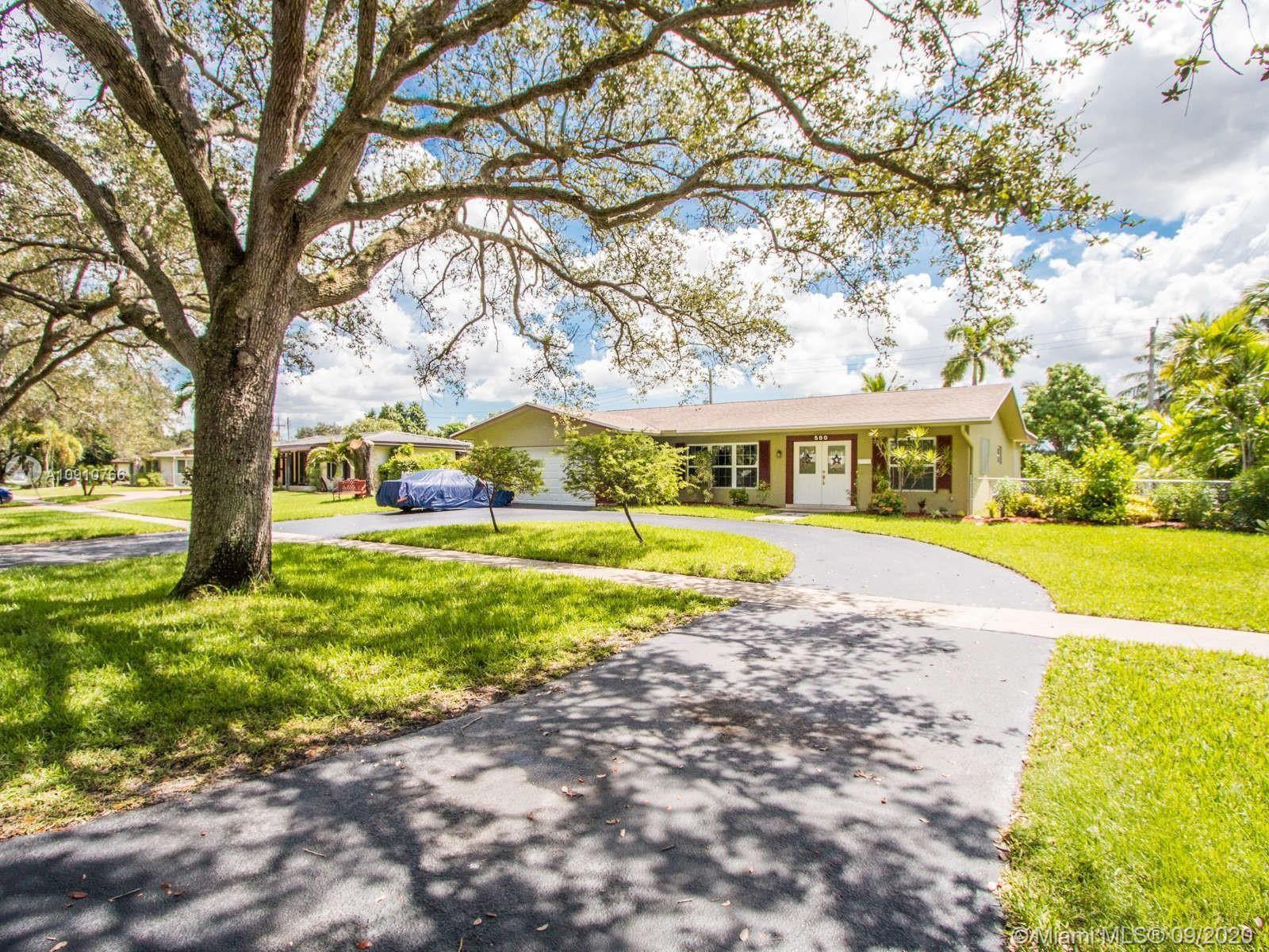 580 S Fig Tree Lane, Plantation, FL 33317 - #: A10910766