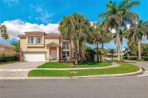 Photo of 150 Gables Blvd, Weston, FL 33326 (MLS # A11100767)