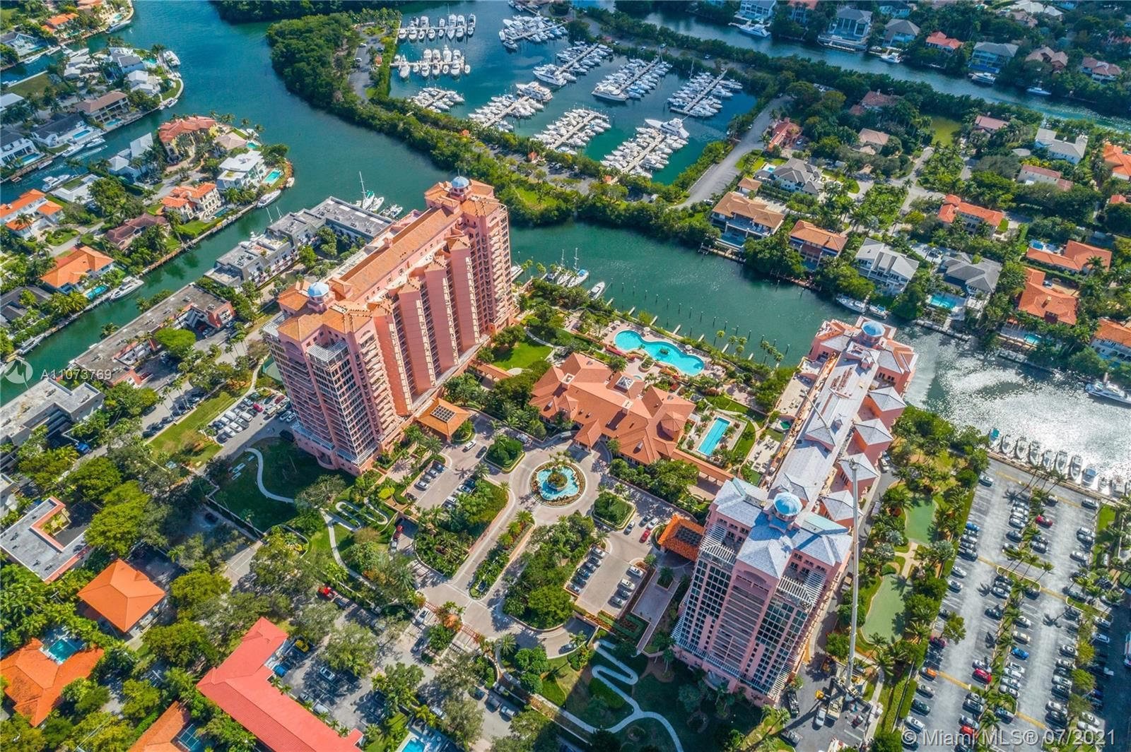 Photo of 60 Edgewater Dr #TS-E, Coral Gables, FL 33133 (MLS # A11073769)