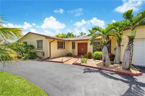 Photo of 14100 Kendale Lakes Blvd, Miami, FL 33183 (MLS # A10928773)