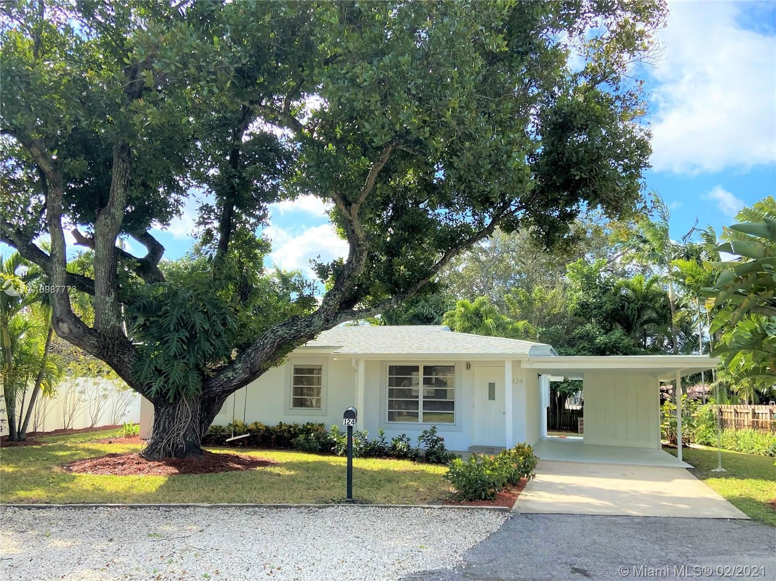Photo of 124 NW 22nd St, Wilton Manors, FL 33311 (MLS # A10987773)