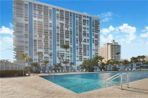 Photo of 881 Ocean Dr #25E, Key Biscayne, FL 33149 (MLS # A10943774)