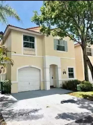 Photo of Listing MLS a10859775 in 3910 Tree Tops Rd Cooper City FL 33026