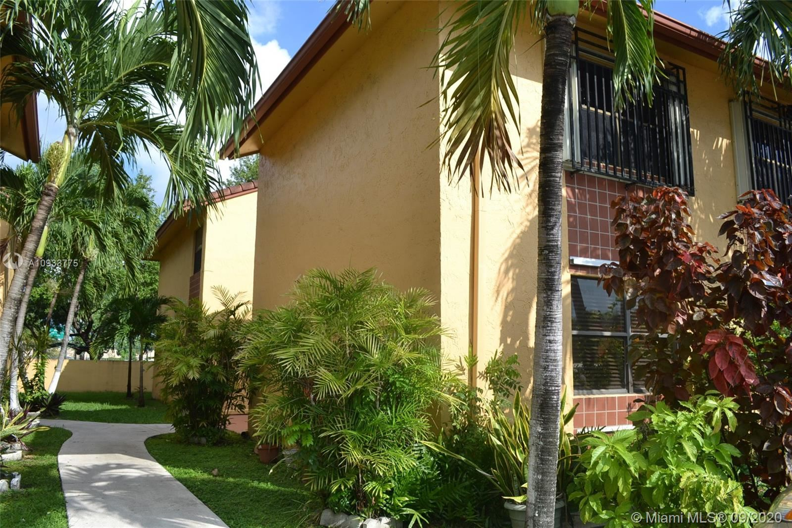 10839 NW 7th St #12-23, Miami, FL 33172 - #: A10933775