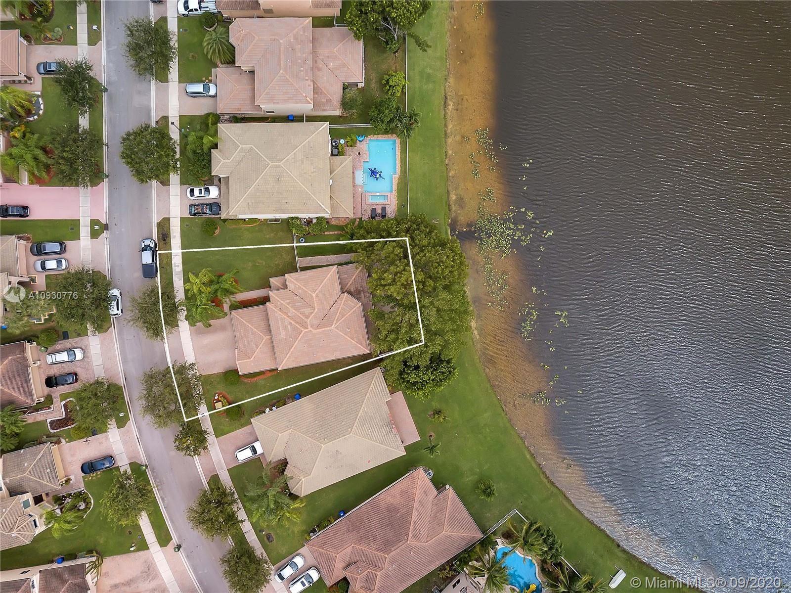 Photo of 19434 SW 60th Ct, Pembroke Pines, FL 33332 (MLS # A10930776)