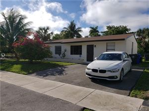 Foto de inmueble con direccion 6440 SW 15th Ct North Lauderdale FL 33068 con MLS A10657778