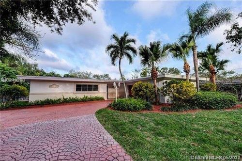 Photo of 10235 SW 58th Ct, Pinecrest, FL 33156 (MLS # A11033782)