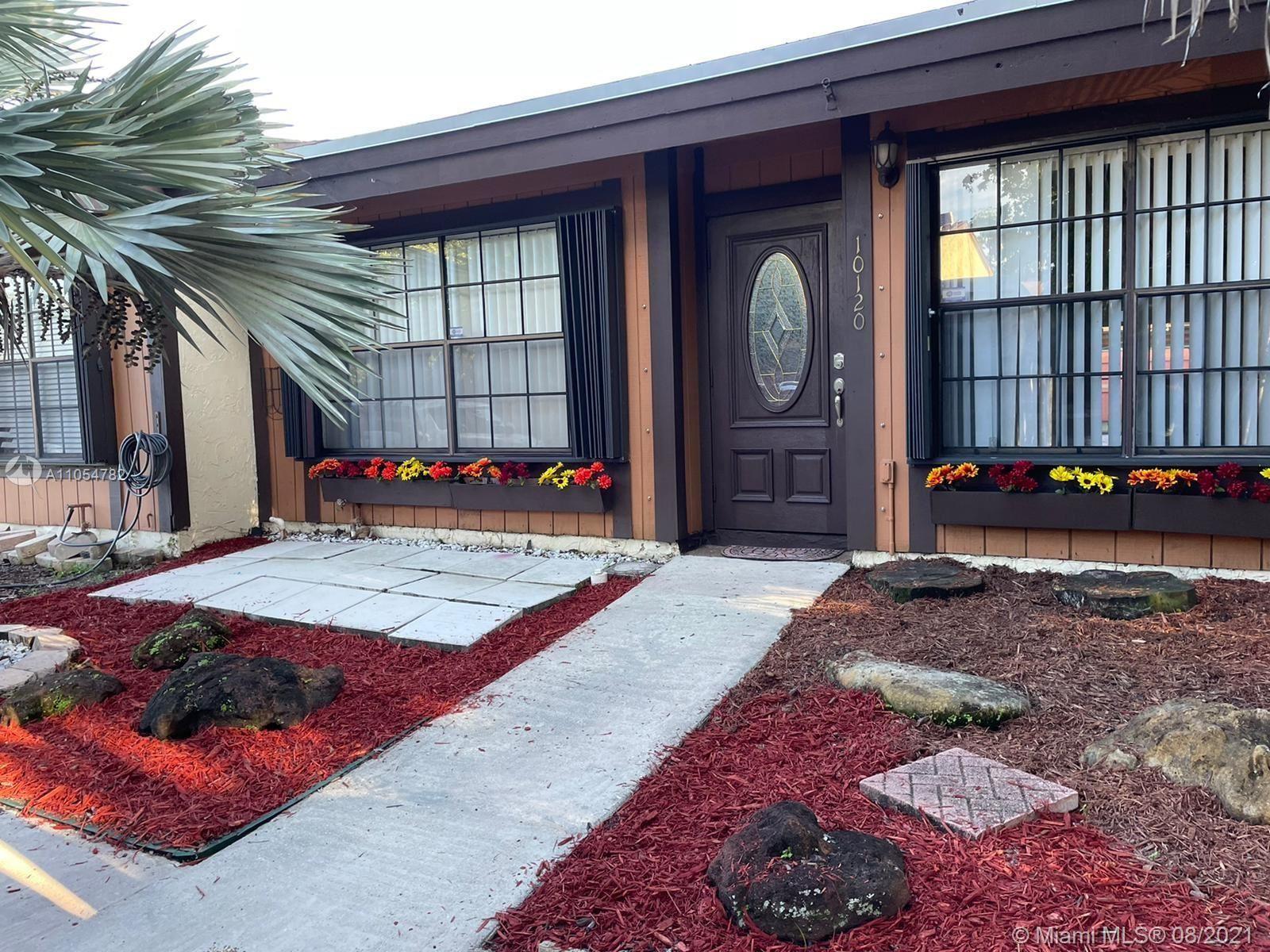 10120 Woodbury Ct #10120, Pembroke Pines, FL 33026 - #: A11054782