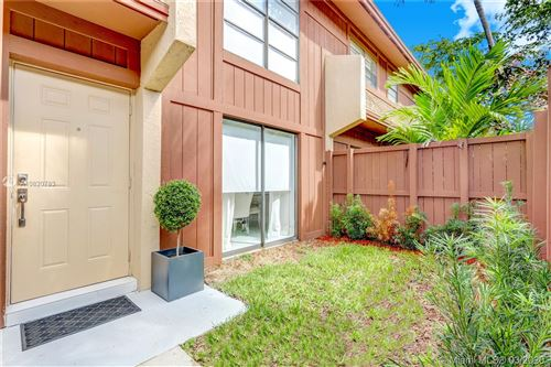 Photo of Listing MLS a10820783 in 6405 SW 116th Pl #G Miami FL 33173