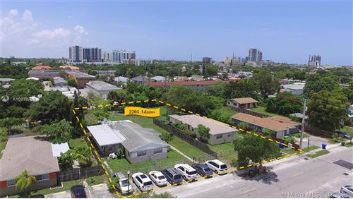 Foto de inmueble con direccion 2205 Adams St Hollywood FL 33020 con MLS A10919785