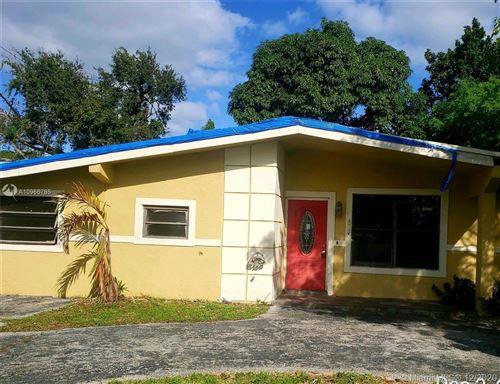 Photo of 521 NE 175th St, North Miami Beach, FL 33162 (MLS # A10966785)