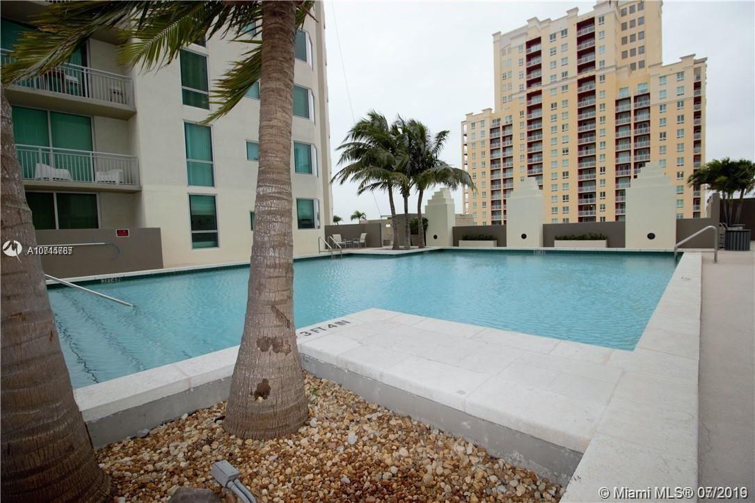 Pinecrest, FL 33156