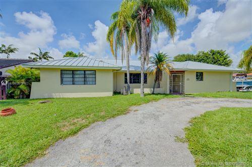 Photo of 5620 SW 58th Ct, South Miami, FL 33143 (MLS # A10926791)