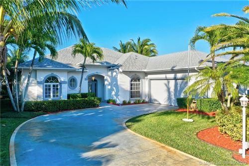 Photo of 365 NE Vanda Terrado, Jensen Beach, FL 34957 (MLS # A10863792)