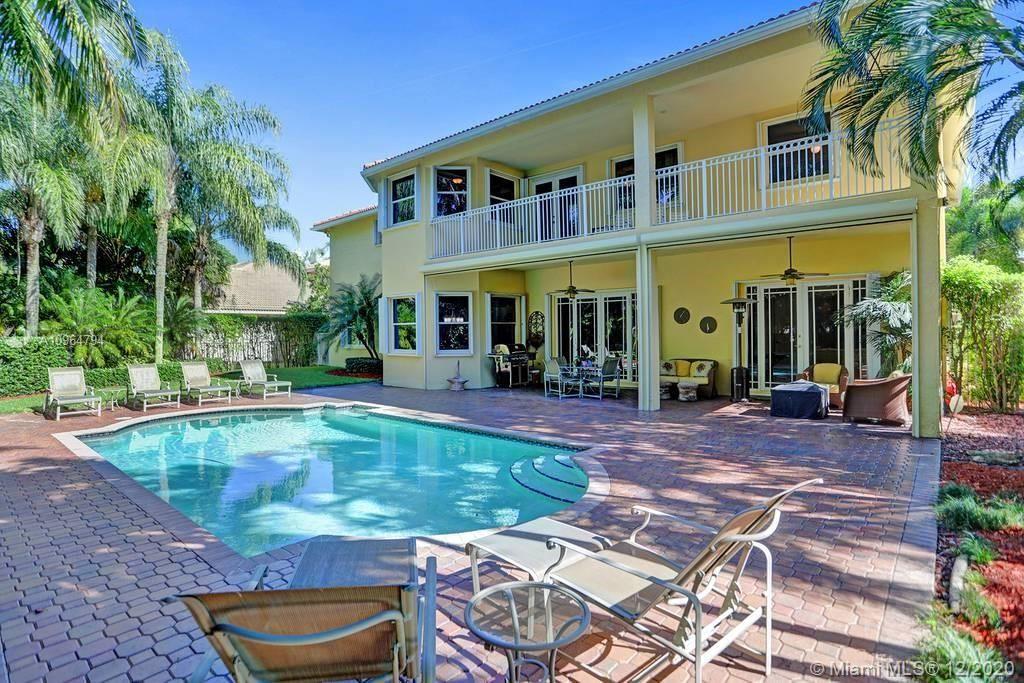 Photo of 1445 Victoria Isle Dr, Weston, FL 33327 (MLS # A10964794)