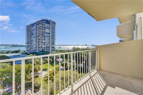 Foto de inmueble con direccion 11111 Biscayne Blvd #821 Miami FL 33181 con MLS A10810795