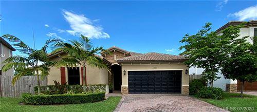 Foto de inmueble con direccion 23621 SW 118th Pl Miami FL 33032 con MLS A10889795