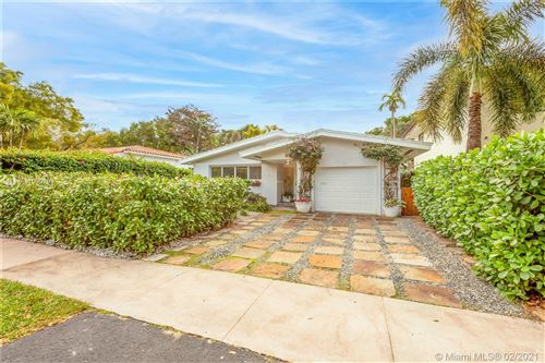 Photo of 406 Bianca Ave, Coral Gables, FL 33146 (MLS # A11000799)