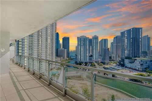 Photo of Listing MLS a10810802 in 90 SW 3rd St #2215 Miami FL 33130