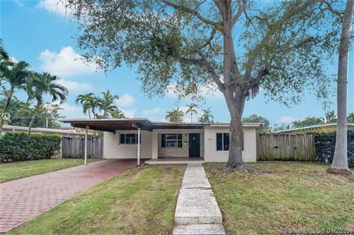 Photo of Listing MLS a10804805 in 1740 SW 64th Ave West Miami FL 33155