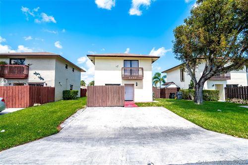 Photo of 5305 Garden Hills Cir, West Palm Beach, FL 33415 (MLS # A10836805)
