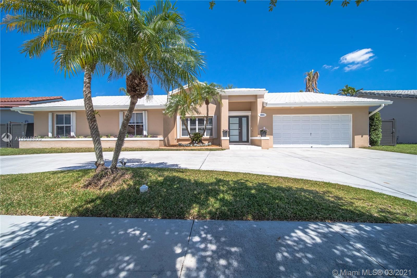8523 SW 83rd St, Miami, FL 33143 - #: A11018805