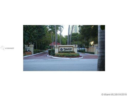 Foto de inmueble con direccion 16909 N Bay Rd #316 Sunny Isles Beach FL 33160 con MLS A10649807