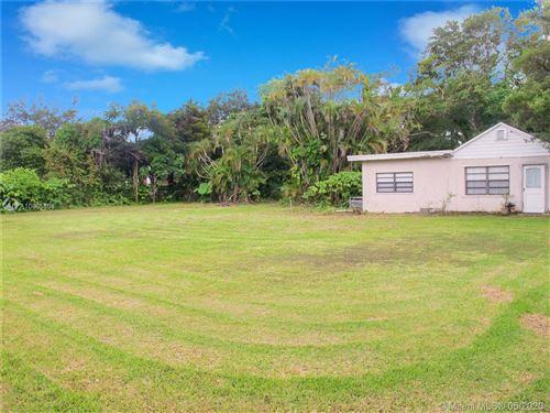 Foto de inmueble con direccion 350 NE 158th St Miami FL 33162 con MLS A10865808