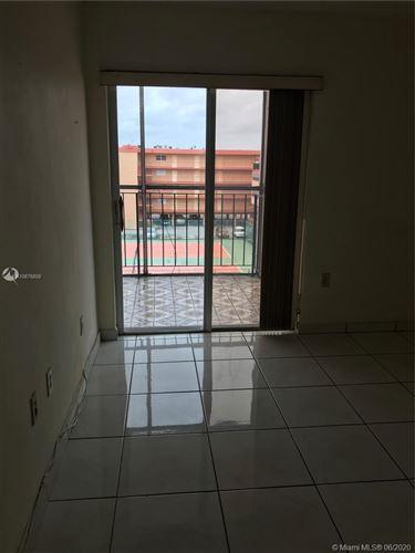 Foto de inmueble con direccion 1810 W 56th St #3421 Hialeah FL 33012 con MLS A10876808