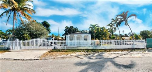 Photo of Listing MLS a10806811 in 1710 NW 110 ter Miami FL 33167