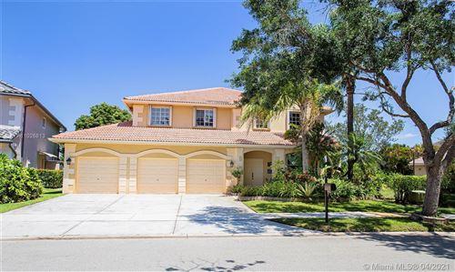 Photo of 969 Crestview Cir, Weston, FL 33327 (MLS # A11026813)