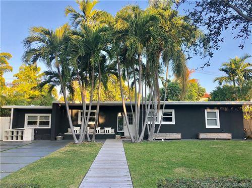 Photo of 653 Glenridge Rd, Key Biscayne, FL 33149 (MLS # A10998814)