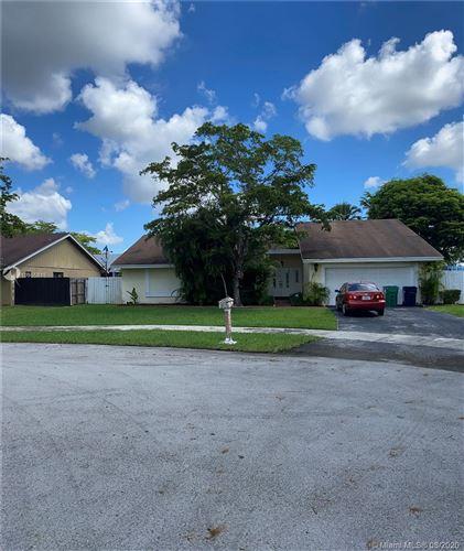 Foto de inmueble con direccion 12705 SW 115th Ter Miami FL 33186 con MLS A10905815