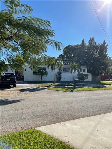 Photo of 3051 SW 84th Ct, Miami, FL 33155 (MLS # A10978815)