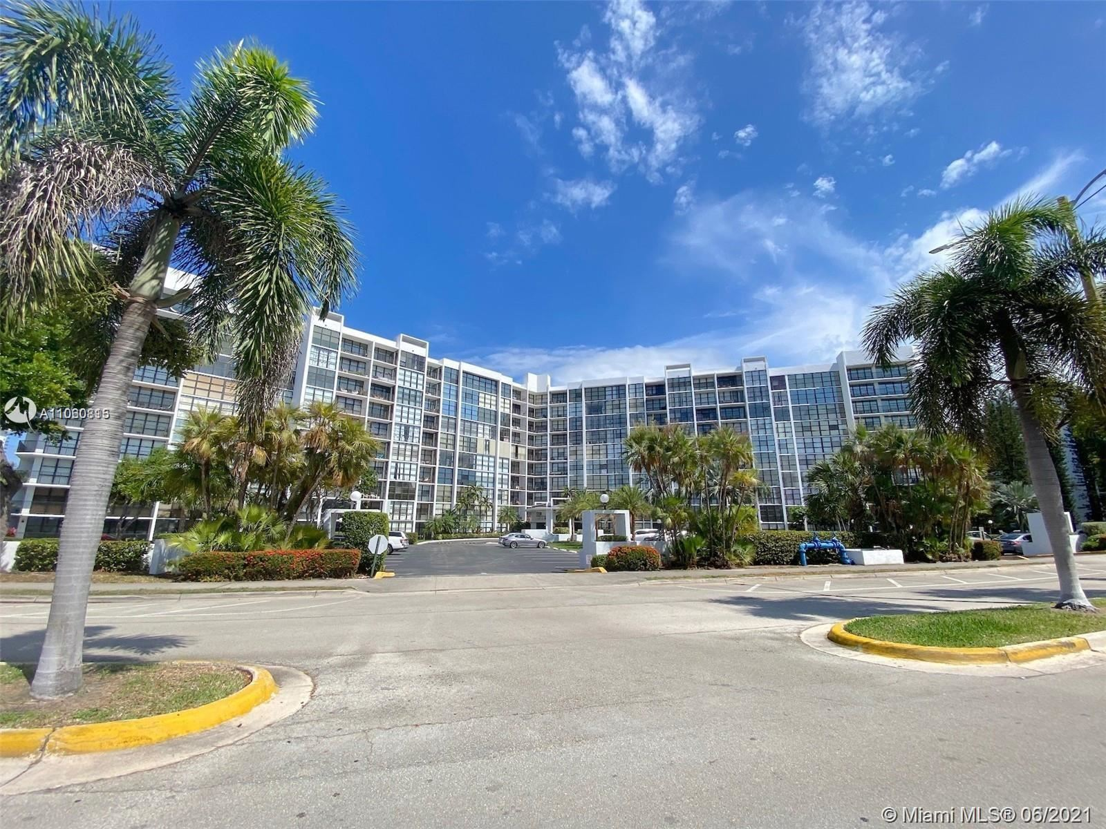 1000 Parkview Dr #501, Hallandale Beach, FL 33009 - #: A11060815