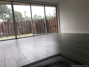 Foto de inmueble con direccion 835 NW 80th Ter #11 Plantation FL 33324 con MLS A10598817