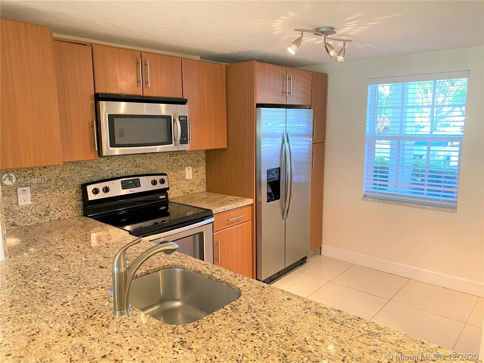 605 Oaks Dr #108, Pompano Beach, FL 33069 - #: A10968817