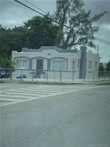 Foto de inmueble con direccion 932 NW 70th St Miami FL 33150 con MLS A10937818