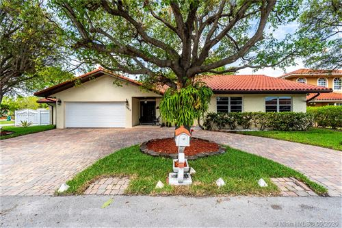 Photo of 5680 SW 88th Pl, Miami, FL 33173 (MLS # A10853820)