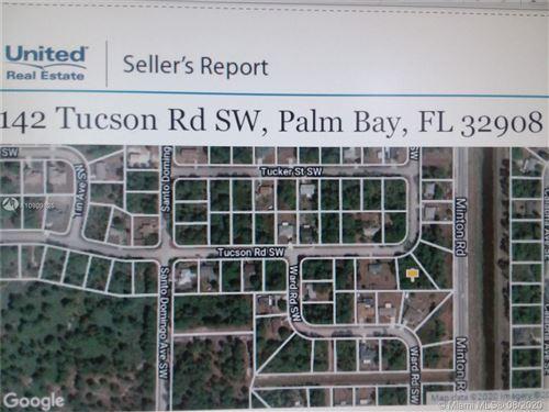 Photo of 142 SW Tucson RD SW, Palm Bay, FL 32908 (MLS # A10909825)