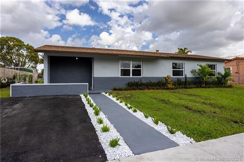 Photo of 12271 SW 28th St, Miami, FL 33175 (MLS # A11002825)