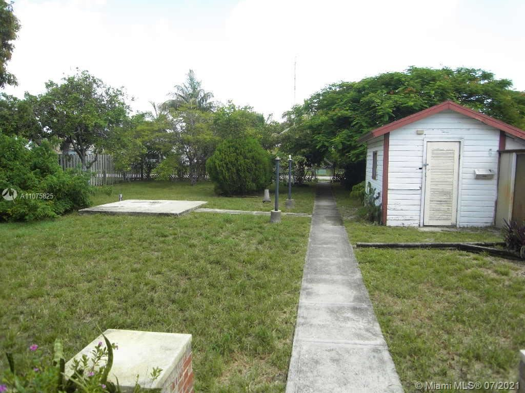 Photo of Hollywood, FL 33020 (MLS # A11075825)