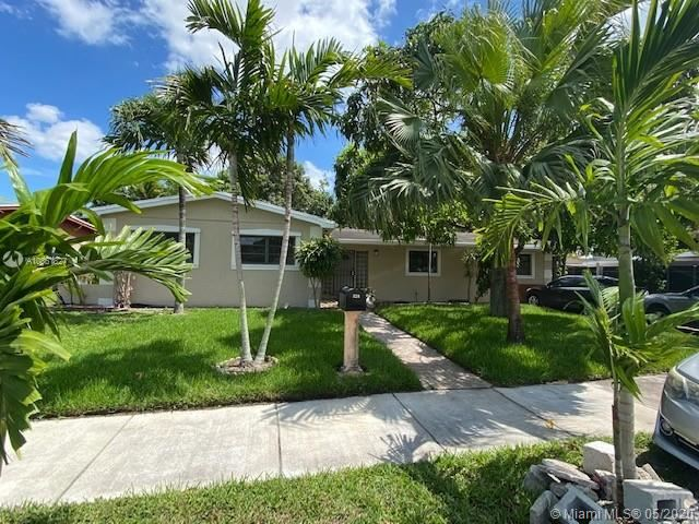 320 NE 180th Dr, North Miami Beach, FL 33162 - #: A10861827