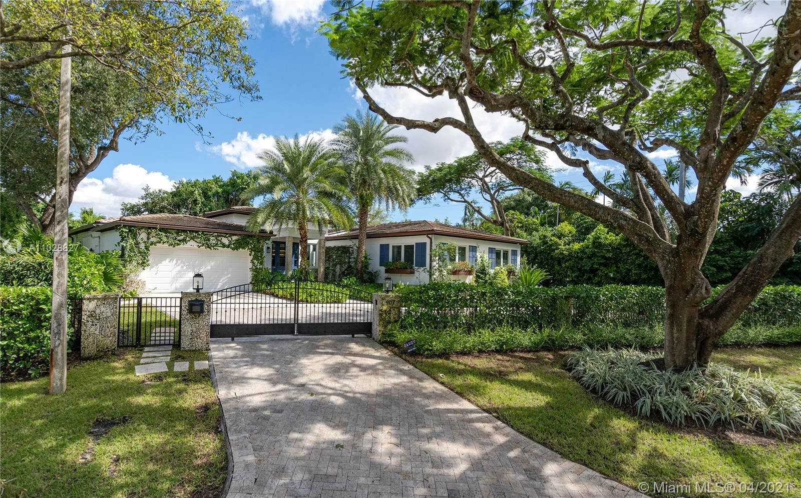 Photo of 907 Jeronimo Dr, Coral Gables, FL 33146 (MLS # A11028827)