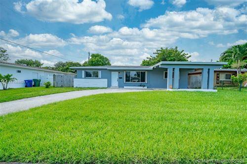 Photo of 750 SW 64th Terrace, Pembroke Pines, FL 33023 (MLS # A11069829)