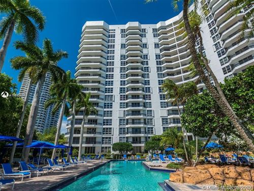Photo of Listing MLS a10822830 in 3600 MYSTIC POINTE DR #1710 Aventura FL 33180