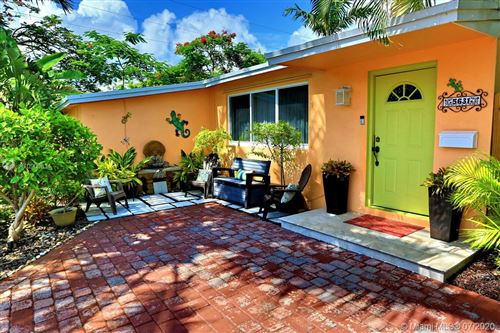 Photo of Listing MLS a10900834 in 5631 NE 9th Ave Oakland Park FL 33334