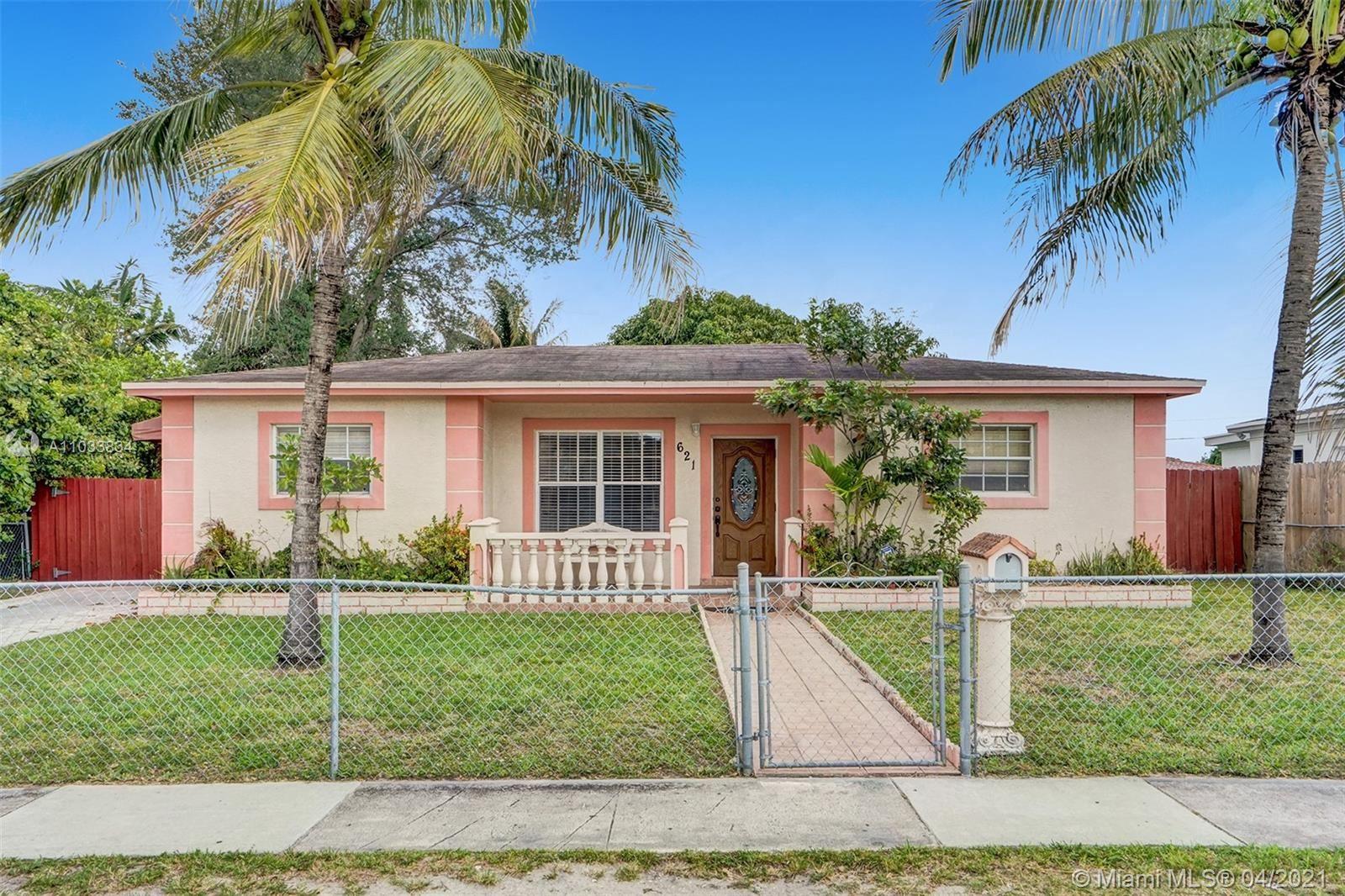 621 NE 168th St, North Miami Beach, FL 33162 - #: A11033834