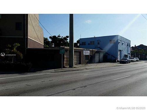 Foto de inmueble con direccion 111 E Okeechobee Rd Hialeah FL 33010 con MLS A10862835